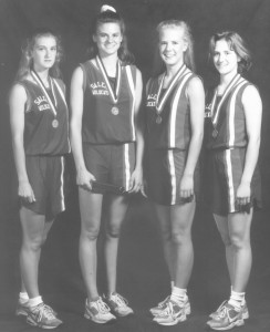 94-girls-relay